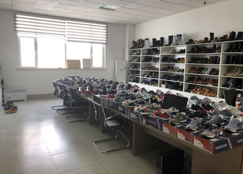 qingdao glory footwear co,.ltd